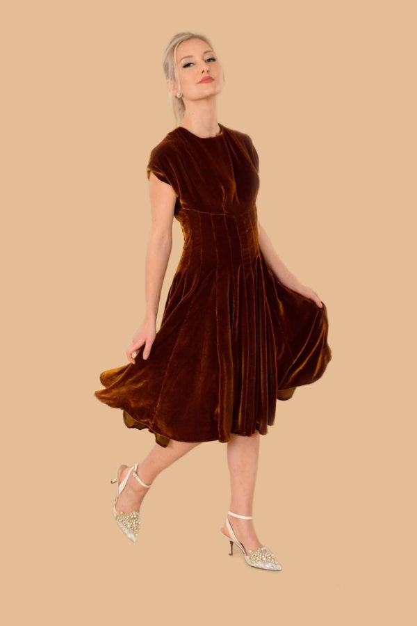 Judy Velvet Fit-And-Flare Midi Swing Event Dress Gold Butterscotch